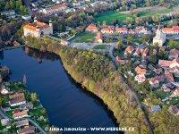 Mníšek pod Brdy - zámek a farní kostel sv. Václava