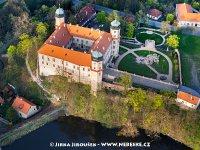 Mníšek pod Brdy - detail zámku