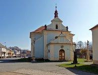 Kostel sv. Josefa na Náměstí Míru v Mirošově