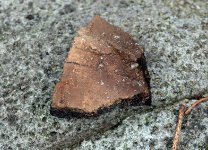 Pec pod Lipovskem - střep zdobený přesekávanou lištou