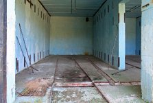 Interiér lehčího zděného skladovacího úkrytu