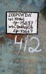 Jména odpovědných důstojníků a čísla pečetí na jednom ze zděných krytů