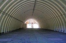 Interiér hlavního skladu raket