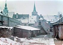 Zástavba jižně od náměstí, vlevo budova kina, 1961