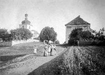 Strašice - stará škola a kostel